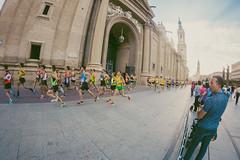 2016-09-25 09.15.49 (Atrapa tu foto) Tags: 8mm espaa europa europe maratondezaragoza saragossa spain xmaratnciudaddezaragoza zaragoza ateltismo atletics carrera corredores deporte fisheye marathon maraton maratn ojodepez runners running sport aragon es