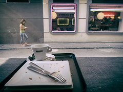 Silverware, Coffee, Woman (Al Fed) Tags: 20160615 madrid silverware coffee woman street candid phone mobile knife fork plate emtpy caf watching glass