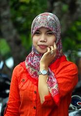 IMG_8124fr (Mangiwau) Tags: girl smiling scarf indonesia asian tanya veil braces teeth hijab gigi sulawesi islamic headdress minta mete kebun kacang dentures jilbab berani aswin cewek kendari gigit sultra behel laode
