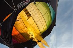 THE DRAGON........ (colpo d'occhio) Tags: fire fly dragon wind balloon vento fiamma todi volare mongolfiere