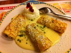 Jause (austrianpsycho) Tags: linz essen sauce sahne photostream teller speise nachspeise palatschinken mbelhaus obers xxxlutz