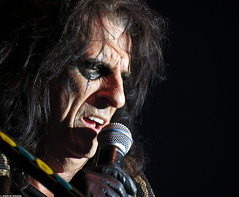 20120808_11 Alice Cooper at Liseberg | Gothenburg, Sweden (ratexla) Tags: show life people musician music man men guy celebrity rock musicians gteborg person concert europe artist tour rockstar sweden earth live famous gothenburg gig performance guys dude entertainment human liseberg artists rockroll horror shock celebrities sverige celebs rocknroll musik dudes scandinavia celeb humans scandinavian konsert 2012 alicecooper goteborg tellus homosapiens organism storascenen photophotospicturepicturesimageimagesfotofotonbildbilder notintheeternityset canonpowershotsx40hs 8aug2012