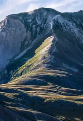 Way to the top (Michel Couprie) Tags: light mountain france alps montagne alpes sunrise canon eos pass crest 7d oblique col hautesalpes