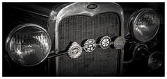 trompa de ford (mancu2000) Tags: auto ford vintage monocromo retro aca oldcar viejo rotary coleccion duotono escudos