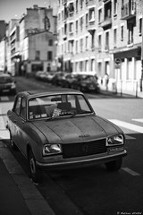 La Peugeot (Mathieu HENON) Tags: m240 leica noctilux 50mm noirblanc blackwhite france paris peugeot