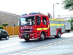 P1090254 (smith.rodney74) Tags: r863efl newfence tjunction roadmarkings terraced houses poassengers 999fire