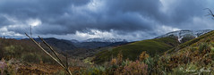 Paisajes Bercianos.. (Javier Arcilla) Tags: panoramica moon elbierzo leon castillayleon espaa naturaleza montaas cielo nubes paisajes pentax pentax1855mm 1855mm pentaxk50 k50