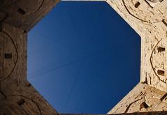 Different perspectives (Francesco Patroncini Photography) Tags: casteldelmonte federicoii puglia apulia italy italia castello castle medieval history middleages nikon nikond5300 octagonal geometrical geometry symmetry