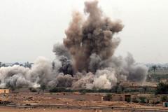 FallujahAirman Magazine(CC BY-NC 2.0) (TEIA - ) Tags: oif phantomfury fallujah airstrike iraq explosion blast boom bomb marines usmc 1stmarinedivision alanbar