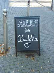 Alles in Buddha (mkorsakov) Tags: dortmund city innenstadt sdstadt schild sign aufsteller typo handschrift handwriting buddha herz heart
