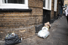 20160928T12-44-18Z-DSCF4212 (fitzrovialitter) Tags: geotagged fitzrovia fitzrovialitter camden westminster rubbish litter dumping flytipping trash garbage london urban street environment streetphotography westend peterfoster documentary fuji x70 fujifilm gpicsync captureone