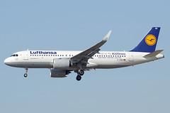 Lufthansa Airbus A320-271N(WL) D-AIND Sharklets Less noise. Less fuel. Less CO2 (EK056) Tags: lufthansa airbus a320271nwl daind sharklets less noise fuel co2 frankfurt airport