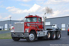 Mack Superliner Tri Axle Tractor (Trucks, Buses, & Trains by granitefan713) Tags: mack macktruck trucktoberfest truckshow tractor trucktractor superliner macksuperliner daycab nonsleeper heavyhaul heavyduty triaxle classic oldschool vintage showtruck