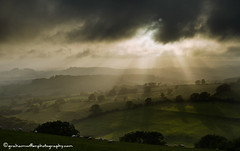 Mists across the Marshwood Vale (grahamwiffen) Tags: fog nikon valley lee filters sunbeam mists marshwoodvale shaftsofsunlight d7000