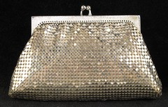 3009. Whiting Davis Small Clutch