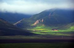 Landscape (MelindaChan ^..^) Tags: china blue light mountains green nature landscape plateau mel layer melinda grassland 青海 qinghai chanmelmel 果洛州 melindachan