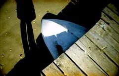 osso di seppia (Vero&Cris) Tags: shadow sea beach 35mm lomography sand surf mare colore sardina leg ombra toycamera natura spiaggia paesaggio 2012 gambe lasardina