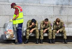 Resting Olympian Soldiers (Paul Parkinson LRPS (parkylondon)) Tags: london soldier cigarette trafalgarsquare august soldiers rest resting olympics 2012 olympicgames takeabreak skiving