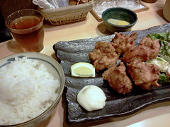 Karaage (deep-fried chicken) lunch set from Izakaya Kuchan @ Ichigaya (Fuyuhiko) Tags: from chicken set lunch tokyo deep   izakaya fried deepfried ichigaya    karaage  kuchan