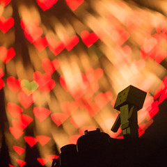 Danbo enjoys the fireworks of LOVE (Takashi(aes256)) Tags: heart fireworks bokeh 花火 danbo ハート ボケ nikond4 ダンボー nikonafsnikkor70200mmf28gedvrii