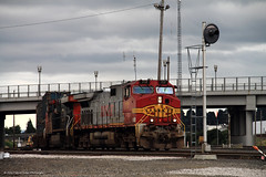 Pungent Sound Trash Train (SP8254) Tags: railroad vancouver trash train washington garbage diesel engine rail pacificnorthwest locomotive ge bnsf generalelectric freighttrain pungent vancouverwa dash944cw warbonnet burlingtonnorthernsantafe clarkcounty trashtrain dash9 c449w bnsfrailway burlingtonnorthernsantaferailroad clarkcountywa bnsf717 bnsffallbridgesubdivision bnsfseattlesubdivision bnsfvancouveryard