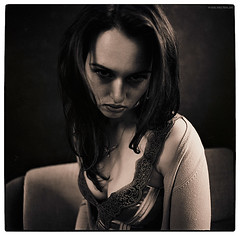 dark portrait of an actress and musician (pixelwelten) Tags: portrait art analog mediumformat kunst hamburg sensual nah analogue delicate intimate mittelformat nachhaltig rdigerbeckmann beyondvanity jenseitsvoneitelkeit kievsix