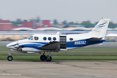 Kingair B90 N9838Z (Jason Pineau) Tags: city jump edmonton aircraft aviation centre center alberta skydive beechcraft 90 beech parachute kingair b90 cyxd n9838z