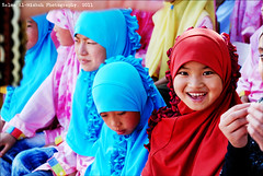 Happy Orphan (Salma Al-Misbah) Tags: china girls playing cute girl smile kids children fun happy funny child play muslim chinese hijab visit orphanage orphans arab laugh laughter kuwait muslims hejab alkhairtrip dinarain