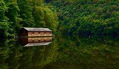 Lac de Nisramont (hubert.dieu) Tags: lake water eau belgium belgique dam lac luxembourg barrage fort cabane valle ourthe