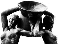 Fontana Luminosa (DarioMarulli) Tags: fontanaluminosa monumento laquila fontana luminosa abruzzo d3200 nikon nikonclubit bw biancoenero monocromo