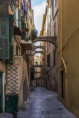 San Remo, Italia (kike.matas) Tags: canoneos6d kikematas canonef1635f28liiusm sanremo italia calle casas edificios arcos ciudad canon lightroom4