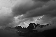 Dark Mountains (koDesign) Tags: nikon d300 sigmaapo70200mmf28exdgmakrohsm engadin graubünden schweiz switzerland swiss suisse berge mountains wolken clouds bw wetter