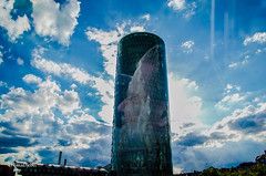 Gerippte(s) Wolken (tina djebel) Tags: stadt town city frankfurt geripptes westhafen wolken cloud clouds mehrfachbelichtung gebude architektur abstrakt verfremdet