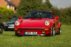 1983 Porsche 911 3.2 Carrera Sport at The Griffins Head Classic Meet on 07-09-2016 (kevaruka) Tags: porsche porsche911 porscheclubgb griffinshead not papplewick classiccar classiccarshow porsche91132carrera carrera 32 guardsred se carrerase sport coup 1983 primelens canonef135f2l canon canoneos5dmk3 canon5dmk3 carshow 5d3 5diii 5dmk3 5d red sun sunshine sunnyday sunny evening kevinfrost twilight september 2016 england sportscar aircooled nottinghamshire flickr frontpage thephotographyblog photography prime bokeh dof green front rear