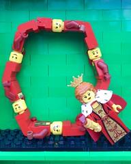 Q (Laurene J.) Tags: lego bricksbythebay bbtb2016 minifigurealphabet minifigure minifigs legoalphabet alphabet pilobolusalphabet pilobolus lettering bbtb 2016 bricksofcharacter queen q