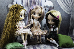 Girl Talk (twilitize) Tags: adorable adventure art awesome beautiful beauty cute cool cutie canon camera canonphotography dolls doll dolly dollphotography darling daring dal girl girls good groove girly pullip pop pullips popular pullipphotography playtime photography