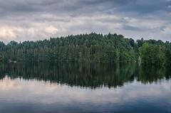Lake, meer van Robertville (A_Pattyn) Tags: belgi robertville ardennen meer stuwmeer water lake belgium clouds wolken nikond7000 hdr forest bos