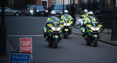 police escort (Ian Davidson photographer Protected by PIXSY www.p) Tags: brexit cabinetminister downingstreet politicians secretaryofstate politcis police escort