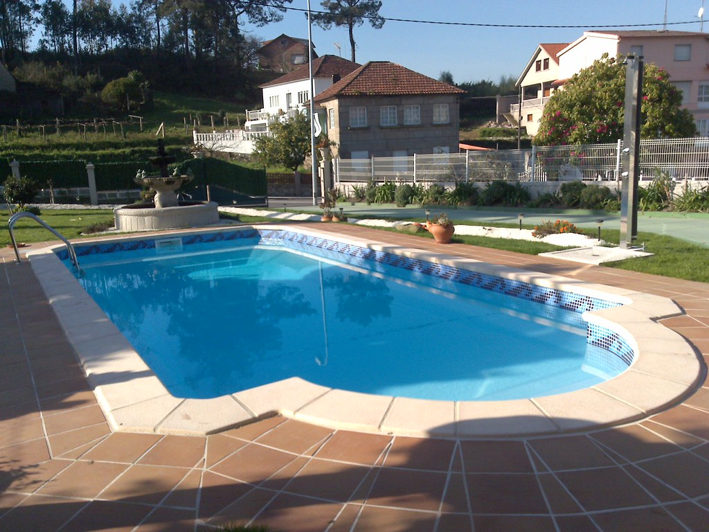 The world 39 s most recently posted photos of gresite for Bordillo piscina