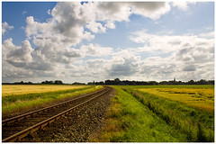 Thinking of Holland: old land (8) (newdip) Tags: holland clouds wolken groningen agriculture flatlands warffum platteland agrarisch hollandseluchten dutchmasters dutchskies hollandsemeesters