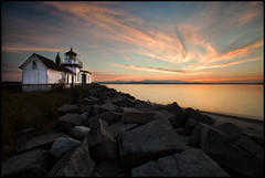 West Point Sunset (* Ian Rogers *) Tags: seattle sunset orange sun lighthouse washington orangesky discovery discoverypark westpoint seattlesunset washingtonsunset ianrogers westpointlighthouse discoveryparklighthouse discoveryparksunset ianrogersphotography