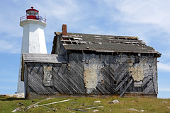 DSC01299 - Cape Roseway Lighthouse & Foghorn Building (archer10 (Dennis) (66M Views)) Tags: houses red lighthouse canada station rock buildings concrete island harbour sony free weathered lantern dennis jarvis loyalist antenna carvings shelburne iamcanadian mcnutts freepicture dennisjarvis archer10 dennisgjarvis wbnawcnns nex7 18200diiiivc caperoseway
