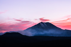 Lassen Sunset (Joe Parks) Tags: sunset volcano smoke mount lassen mountlassen cindercone lassenvolcanicnationalpark lassenpeak lassennationalpark buttelake readingfire