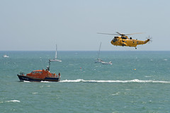 RAF Rescue Seaking (kertappa) Tags: rescue force air royal institute airshow helicopter lifeboat national eastbourne emergency raf seaking rnli airbourne kertappa