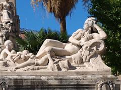 Colonies d'Afrique (rgrant_97) Tags: sculpture food france station port marseille provence midi stcharles vieuxport bouillabaisse colonialism
