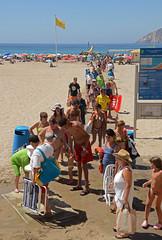 BENIDORM: hora de comer ! (Cazador de imgenes) Tags: sea espaa beach mar spain mediterranean mediterraneo playa alicante mirador spanien mediterrneo spagna benidorm spanje 2012 spania alacant  spange valenciancommunity communautvalencienne spaniya benidorm12 valencianischengemeinschaft