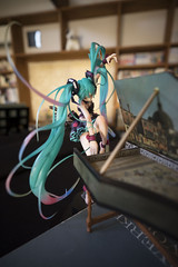 DSC04282 (ESQUISSES) Tags: sony distagon 18mm f28 batis zeiss carlzeiss batis2818 availablelight hatsune miku bokeh 7ii