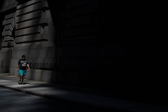 New York City 2016 (Thomas De Los Santos) Tags: yorkcity nyc newyork ny chasinglight chasing light shadow sombra manhattan brooklyn dumbo nikonlens nikoncameras nikond750 nikon50mm d750 fullframe man streetphotography street photography luz