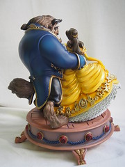 Disney Belle and Beast Figurine (sh0pi) Tags: disney disneystore belle beauty biest figurine spieluhr le limited edition 1100 1of1100 beast 2016 musical music figure figur