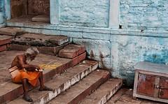 Lunch time, Varanasi-India 2016 (MeriMena) Tags: ganga cultures varanasi streetphotography holy ganges canon450d merimena colors asia canon india sadhu travel